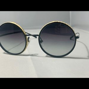 NEW $485 CHANEL Round Black Gold Sunglasses 4250